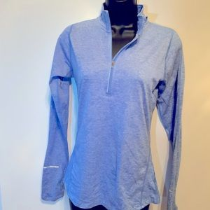 Nike DRI Fit Top Long Sleeved Size X Small Blue